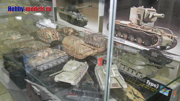 tanks AFV 1-72